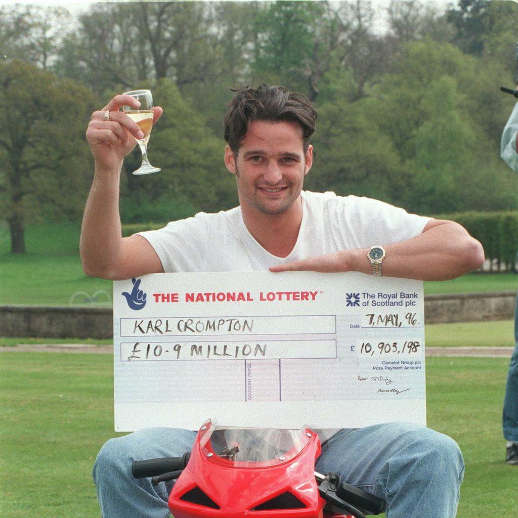 1996年卡爾贏得樂透頭獎