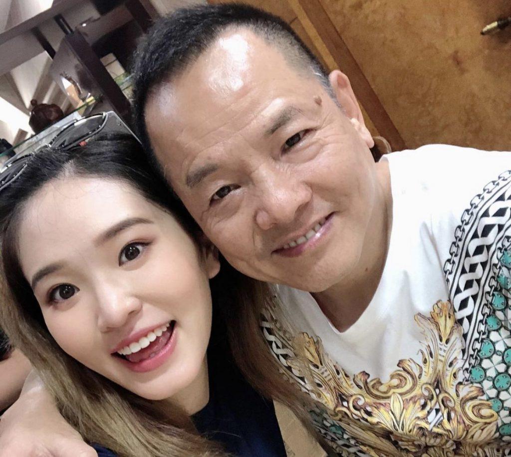 尹國駒與外孫女楊嘉欣