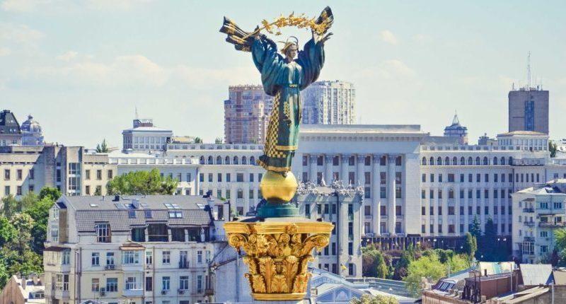 基輔獨立廣場紀念碑上的斯拉夫母神